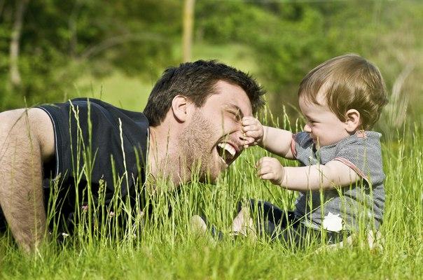 Какую роль в жизни ребёнка играет отец