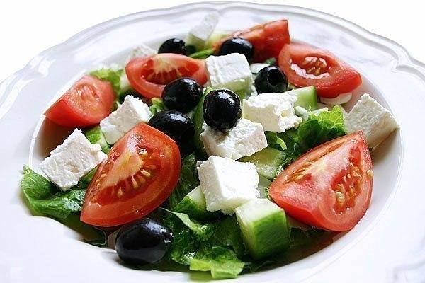 Греческий салат. Вкусно, легко, полезно
